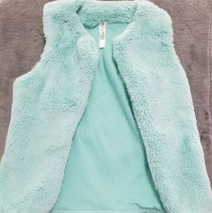 Other - Littlel girls faux fur sleeveless jacket